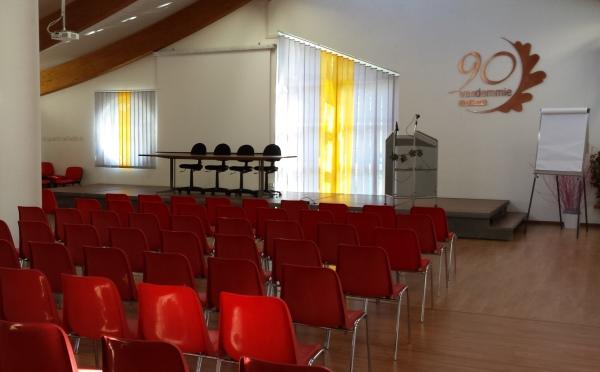 Cantina-Rovere-della-Luna-Sala-Assemblea2