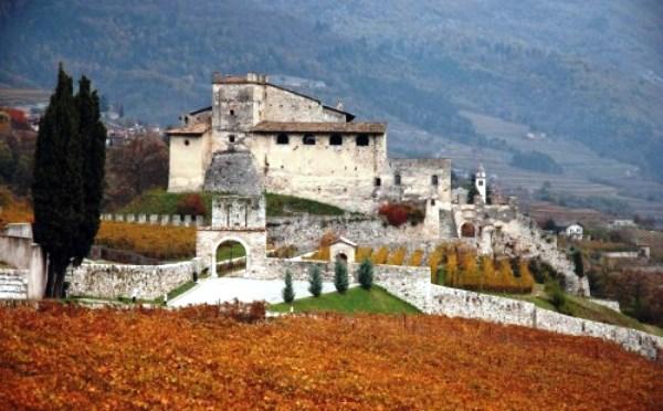 Castel-Noarna-Nogaredo-esterno