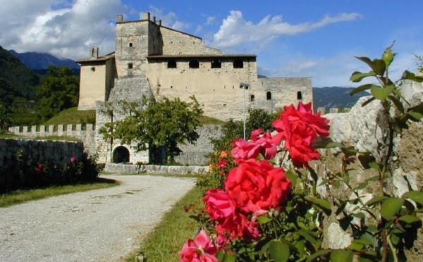 Castel-Noarna-Nogaredo-esterno3
