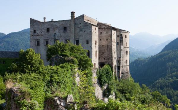 Castel-Pergine-esterno2