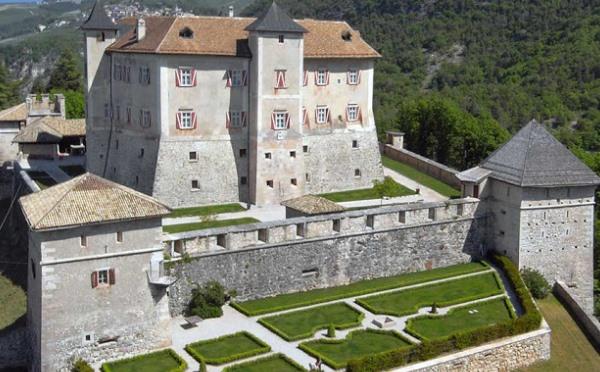 Castel-Thun-Vigo-di-Ton-giardino