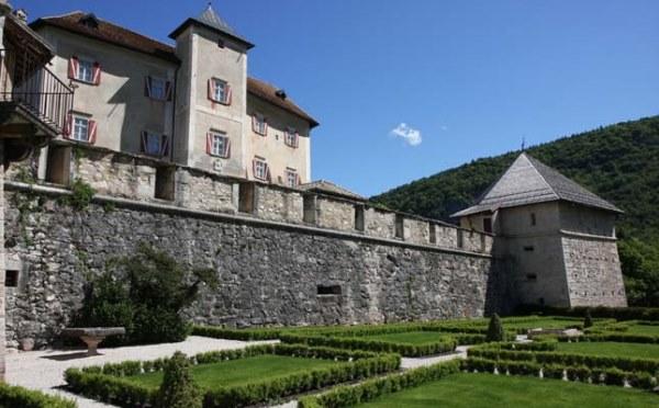 Castel-Thun-Vigo-di-Ton-giardino3