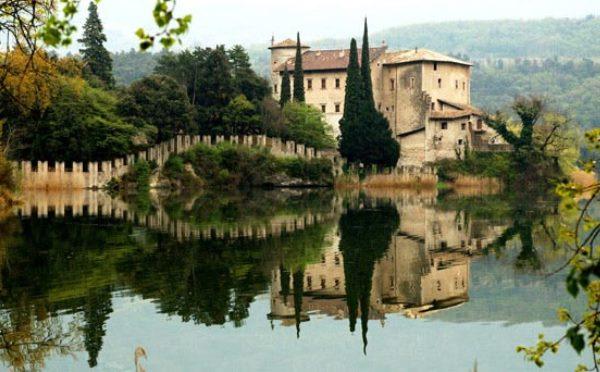 Castel-Toblino-Lago-di-Toblino-esterno2