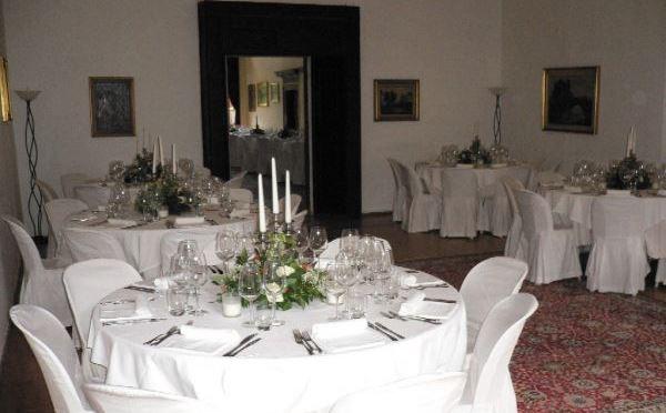 Castel-Toblino-Lago-di-Toblino-ristorante1