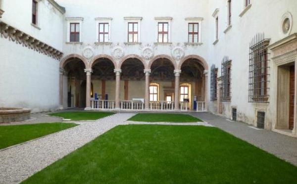 Castello-Buonconsiglio-Trento-cortile-interno