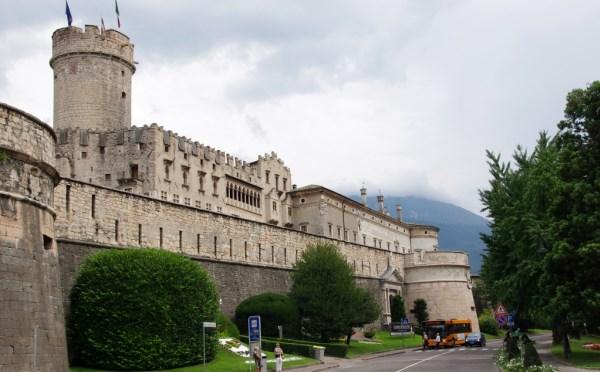Castello-Buonconsiglio-Trento-esterno1