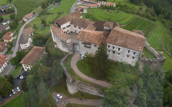 Castello-Stenico-esterno1