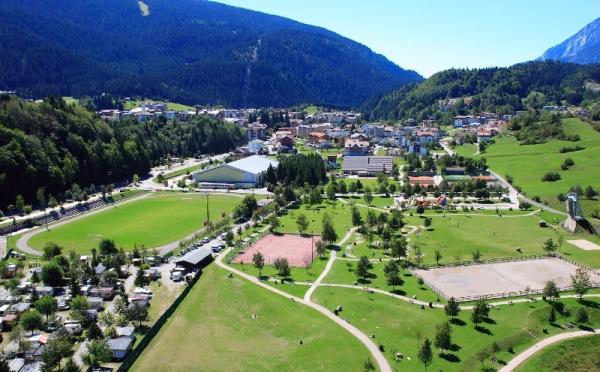 Centro-congressi-Andalo-vista-aerea