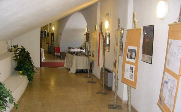 Centro-congressi-auditorium-Fiera-di-Primiero-spazi-interni