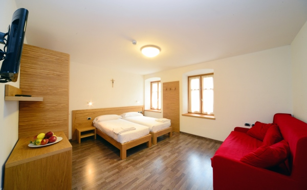 Dimora-storica-Al-Convento-Terzolas-camera-da-letto