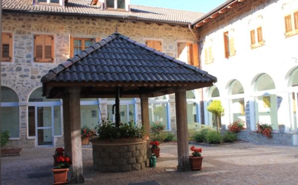 Dimora-storica-Al-Convento-Terzolas-cortile-interno