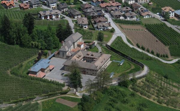 Dimora-storica-Al-Convento-Terzolas-panoramica-dall'alto