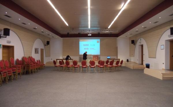 Dimora-storica-Al-Convento-Terzolas-sala-meeting2