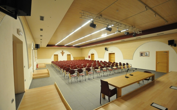 Dimora-storica-Al-Convento-Terzolas-sala-meeting4