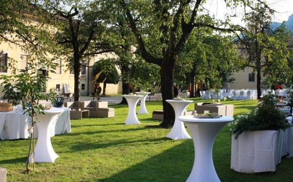 Dimora-storica-Palazzo-Lodron-Nogaredo-allestimento-per-aperitivi