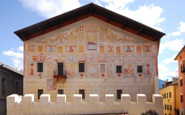 Dimore-storiche-Palazzo-Magnifica-Comunità-di-Fiemme-Val-di-Fiemme-esterno