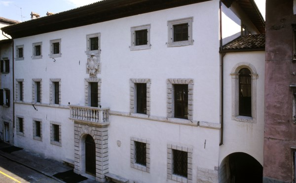 Dimore-storiche-Palazzo-Roccabruna-Trento-palazzo