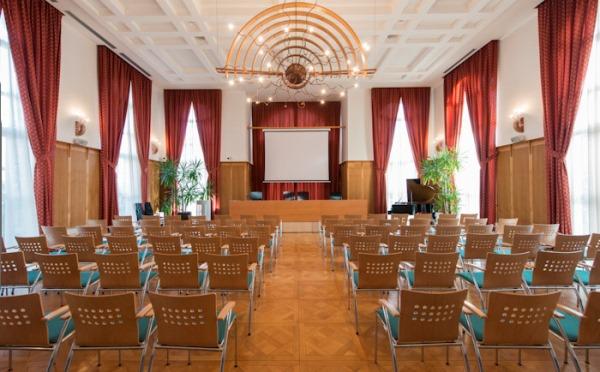 Distilleria-Marzadro-Vallagarina-sala-conferenza