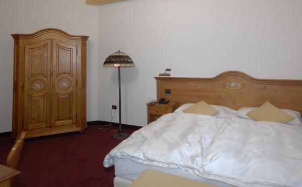 Folgaria-Post-Hotel-camera
