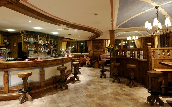 Golf-Hotel-Folgaria-bar