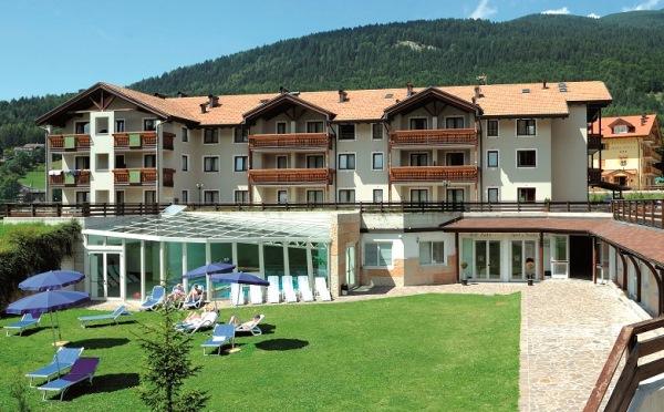 Golf-Hotel-Folgaria-esterno