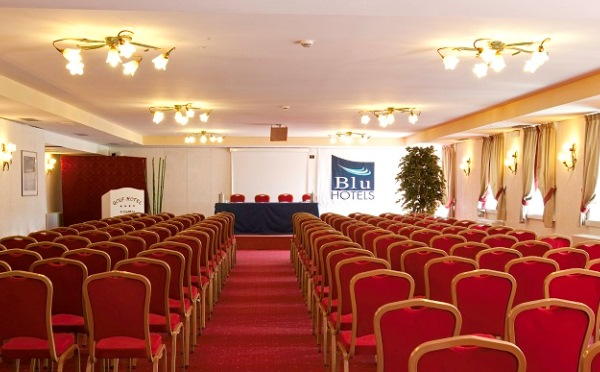 Golf-Hotel-Folgaria-sala-meeting-platea