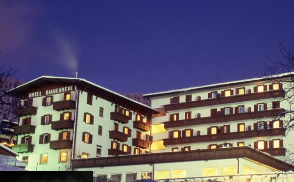 Grand-Hotel-Biancaneve-esterno-inverno