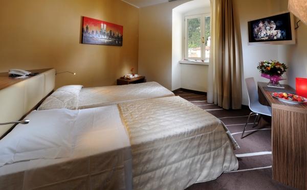Grand-Hotel-Riva-camera-da-letto