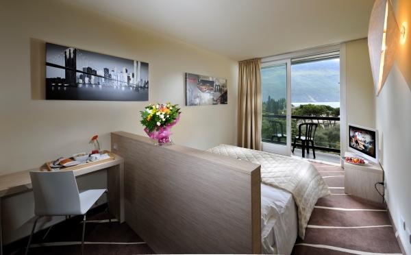 Grand-Hotel-Riva-camera-da-letto2