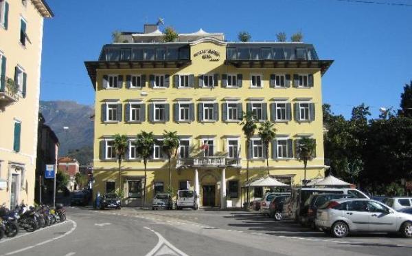 Grand-Hotel-Riva-esterno