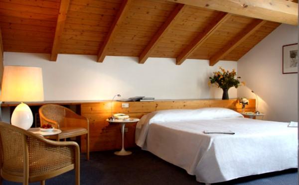 Hotel-Accademia-Trento-camera-da-letto