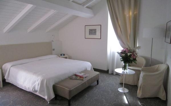 Hotel-Accademia-Trento-superior-double-room