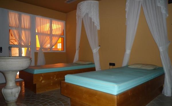 Hotel-Alpholiday-Dolomiti-Dimaro-area-benessere