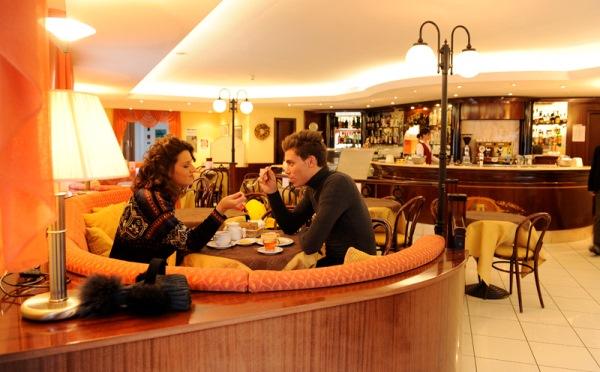 Hotel-Alpholiday-Dolomiti-Dimaro-bar