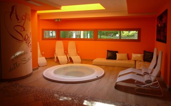 Hotel-Alpholiday-Dolomiti-Dimaro-idromassaggio
