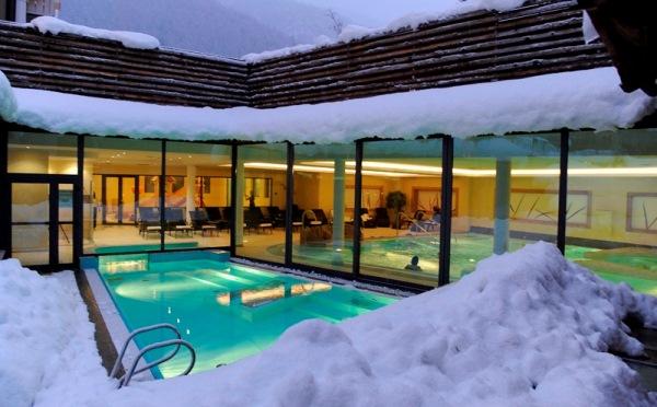Hotel-Alpholiday-Dolomiti-Dimaro-piscina