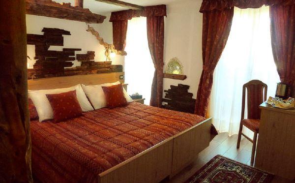 Hotel-Ancora-Predazzo-camera-da-letto2