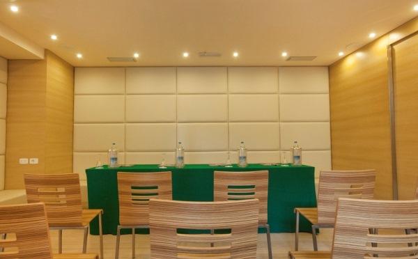 Hotel-Antico-Borgo-Riva-sala-meeting3