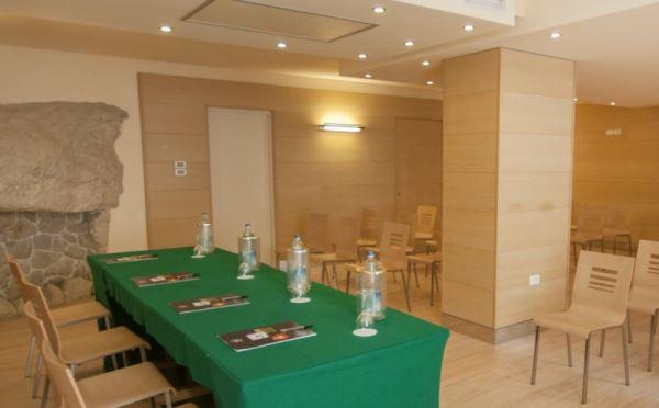 Hotel-Antico-Borgo-Riva-sala-meeting4