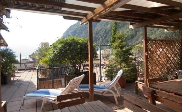 Hotel-Antico-Borgo-Riva-solarium