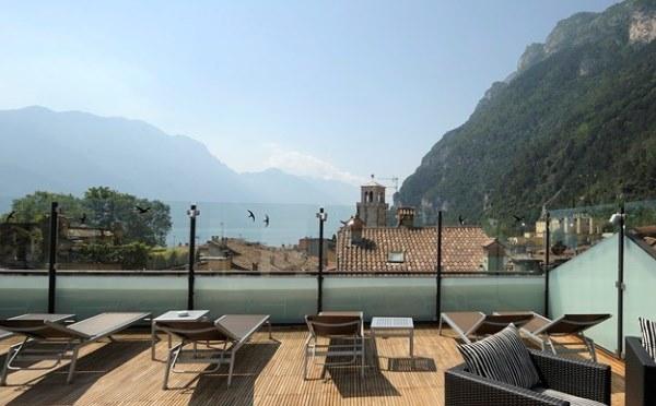 Hotel-Antico-Borgo-Riva-terrazza-panoramica