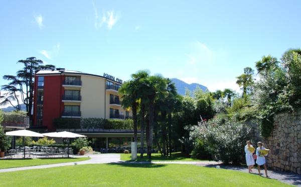 Hotel-Astoria-Riva-del-Garda-giardino