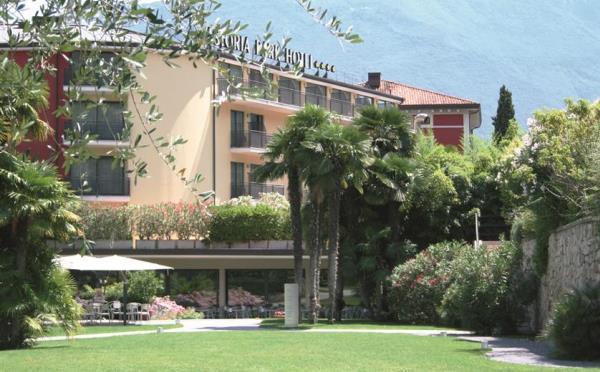 Hotel-Astoria-Riva-del-Garda-giardino2