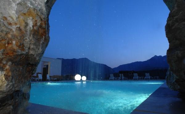 Hotel-Bellavista-Levico-Terme-piscina-riscaldata