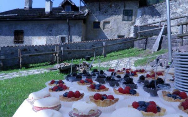 Hotel-Castel-Pietra-Transacqua-buffet-dolce