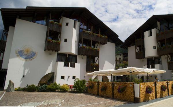 Hotel-Castel-Pietra-Transacqua-esterno2