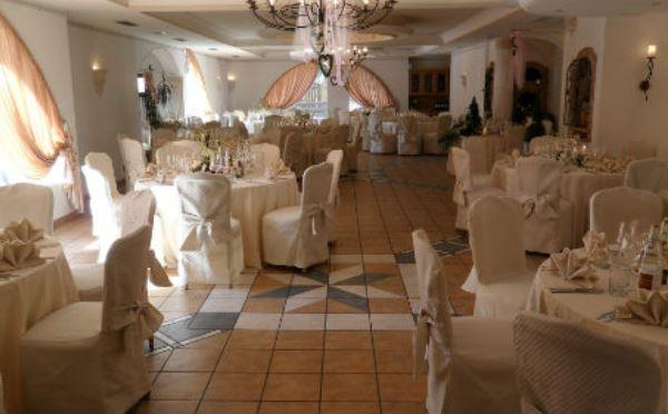 Hotel-Castel-Pietra-Transacqua-sala-da-pranzo