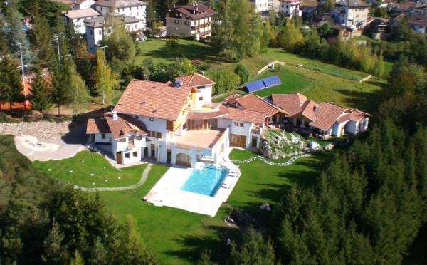 Hotel-Castelir-Panchià-vista-dall'alto2