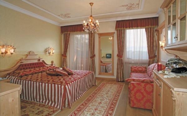 Hotel-Colbricon-San-Martino-camera-da-letto4