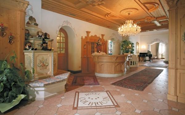 Hotel-Colbricon-San-Martino-reception